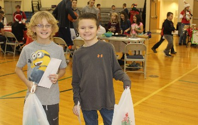 Hickory Grove students pose while shopping at Wheelers and Dealers.