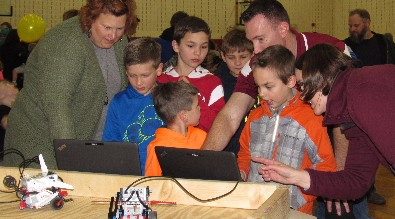 Lake Geneva Schools Host Successful Science Night