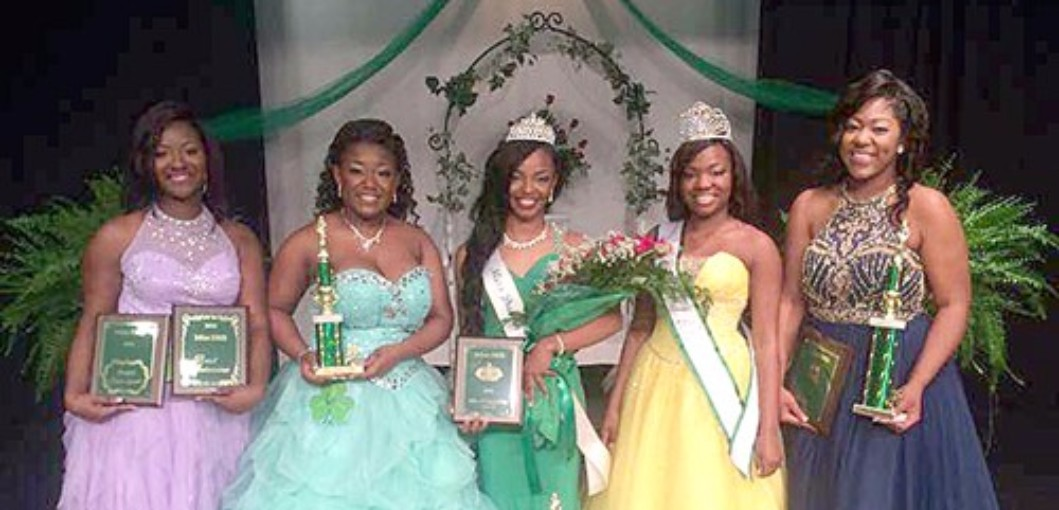 Walker Crowned Miss DHS 2016