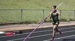 Treshanda Crawford approaches pole vault