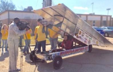 Mississippi Roads and WTVA Visit Houston Solar Race Team - Houston
