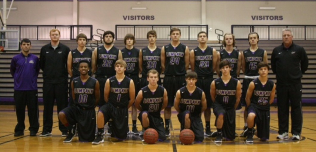 Boys Basketball Goes to Playoffs!