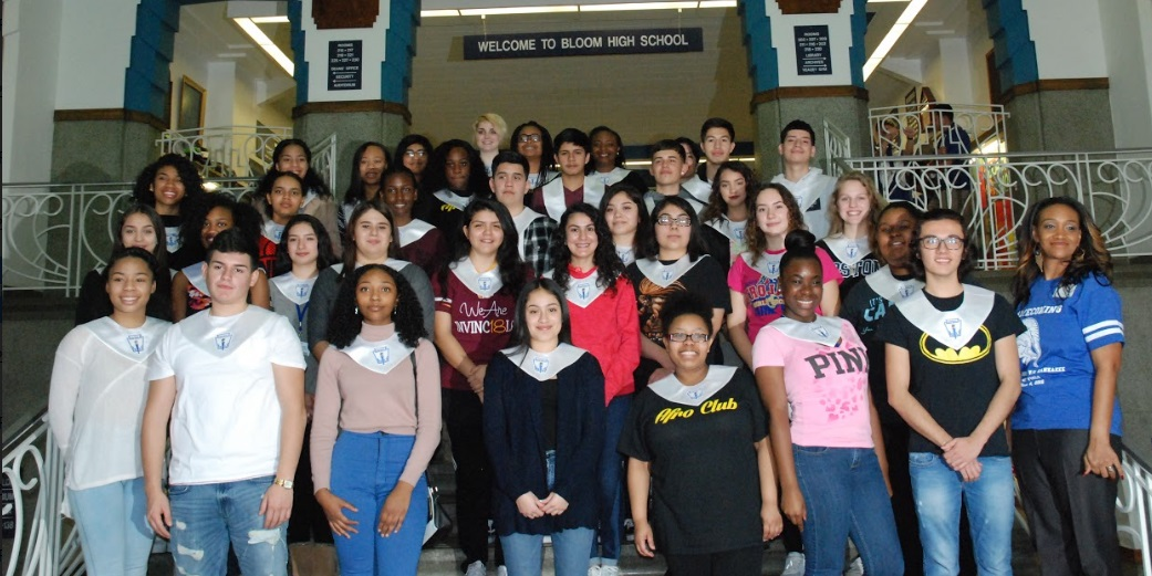 Bloom National Honor Society Inducts 39 New Members