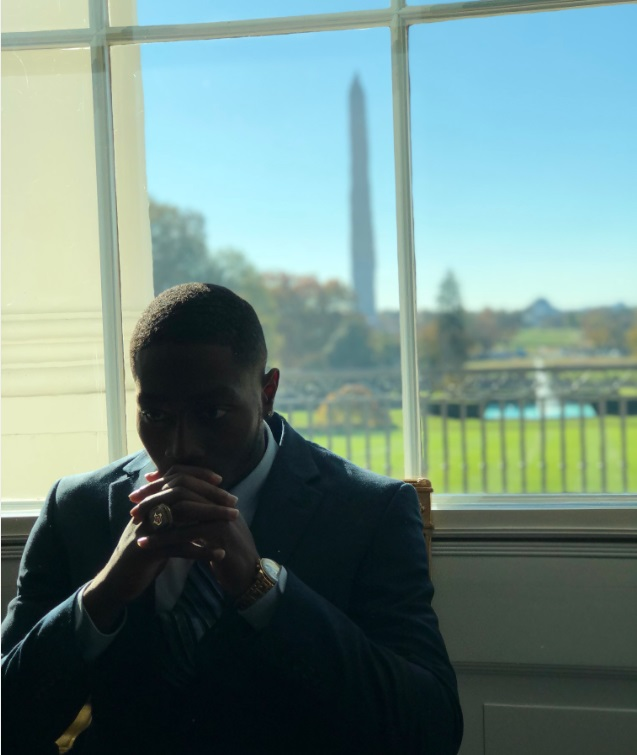 Alumni William William visits the White House