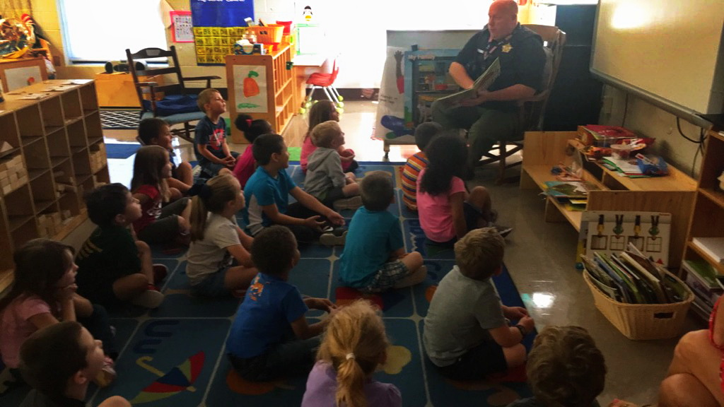 SRO  Thomas Reads to 4K students