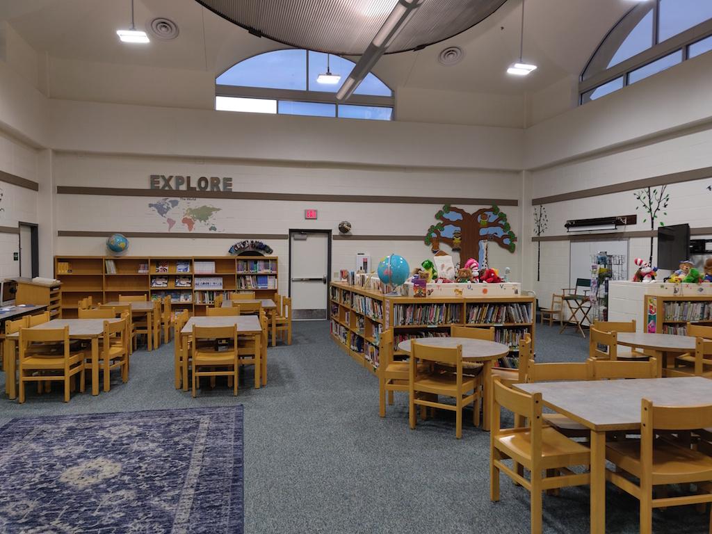 Saenz Superstar Library
