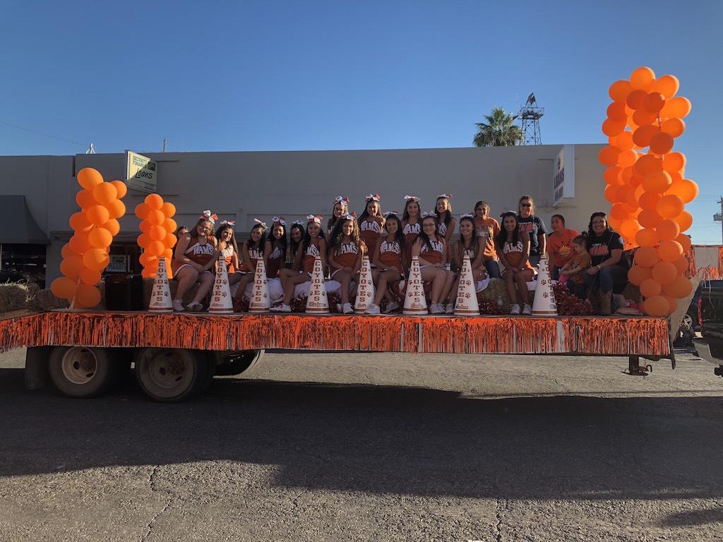 WAMS Cheerleaders at the Parade