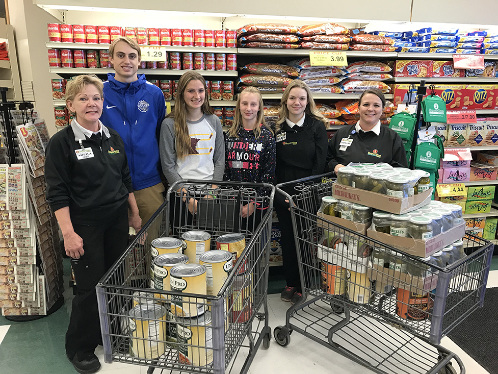 WE Scare Hunger 2018 - From left: Shiela Martin, Ethan Anderson, Alexa Kennedy, Kiana Landet, Sara Artley and Tiffany Schmidthuber