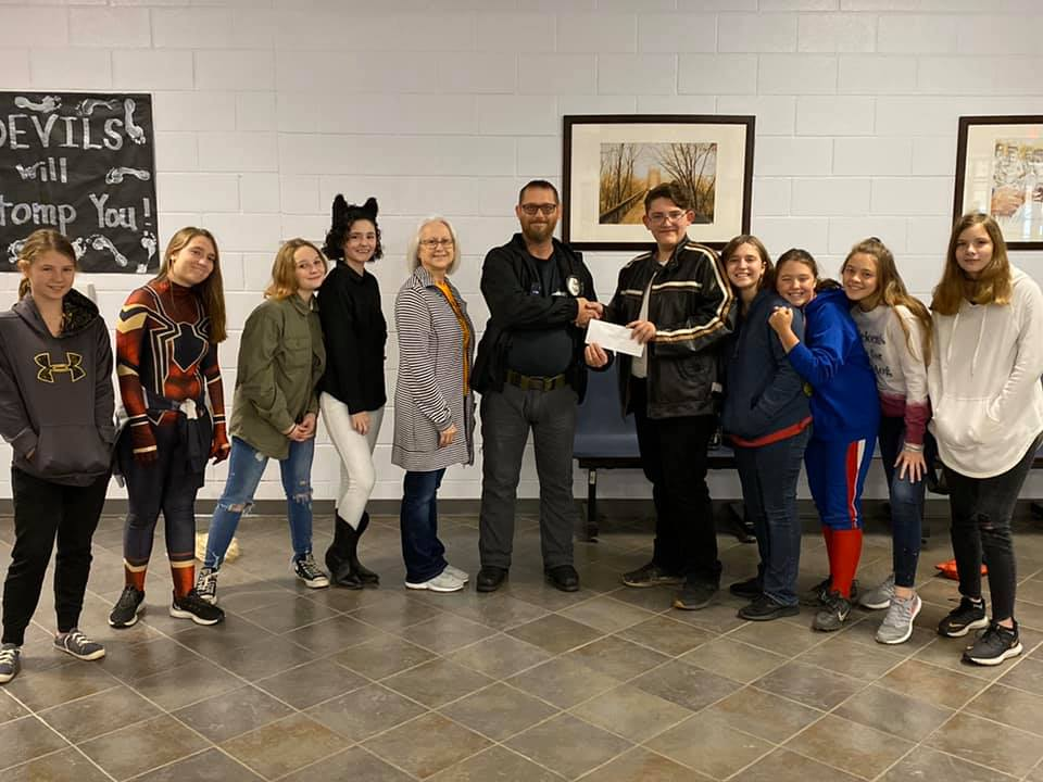 7th & 8th Enrichment Class Donates to FFB Animal Shelter|Oct 2019