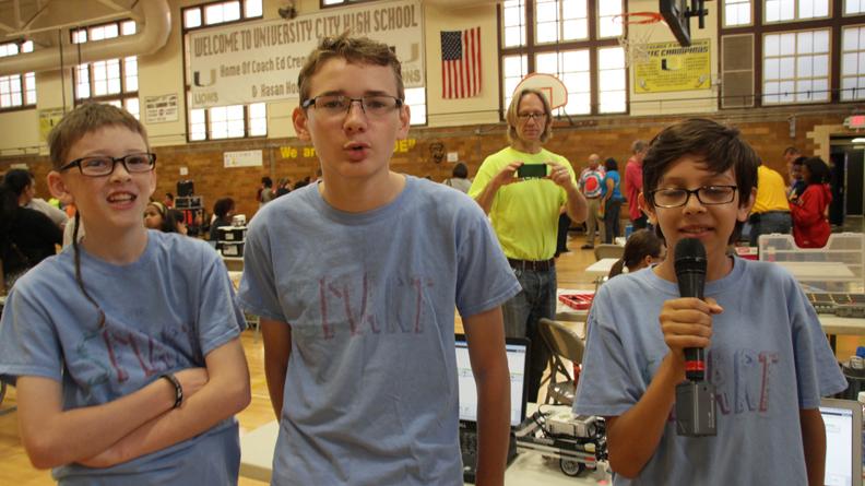 UCHS Hosts Robotics Warmup