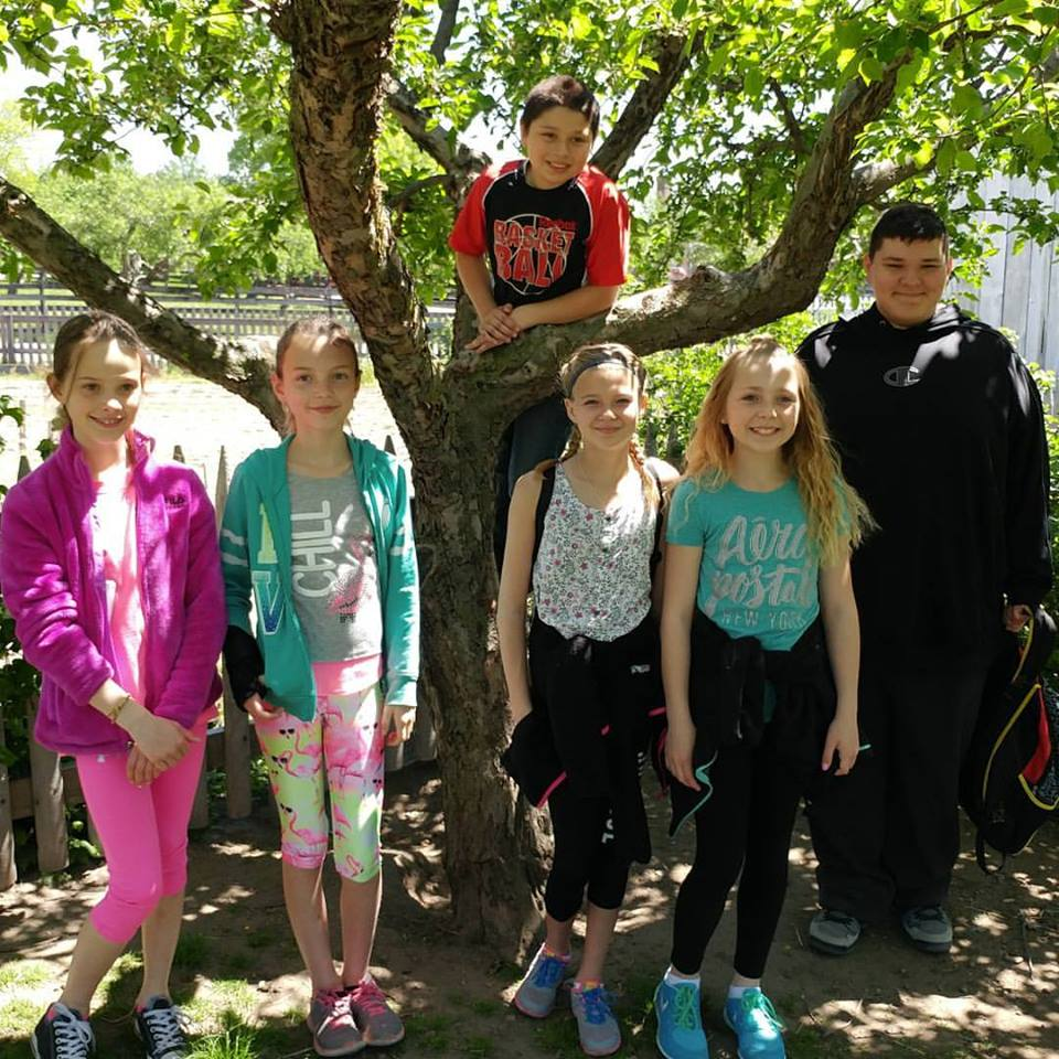 FIFTH GRADE GOES TO GREENFIELD VILLAGE May 2017
