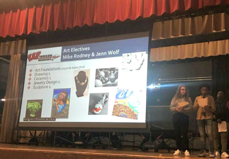High School Students Showcase Electives to Middle School Students