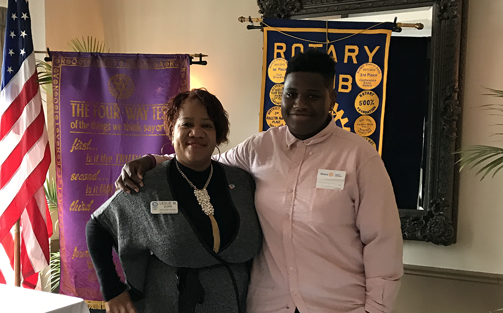 Kwentarrion Lewis: Chicago Heights Rotary Club Student of the Month