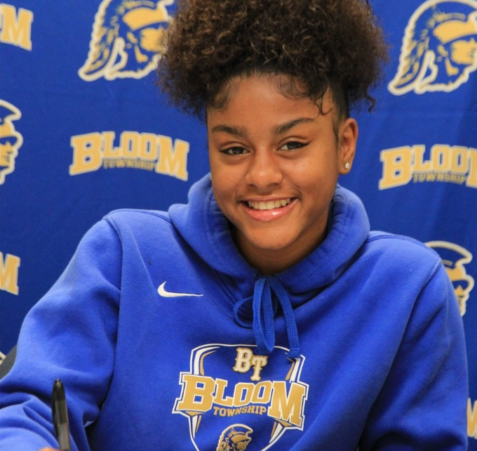 Ms. 1000, Tanea White signs with Roosevelt