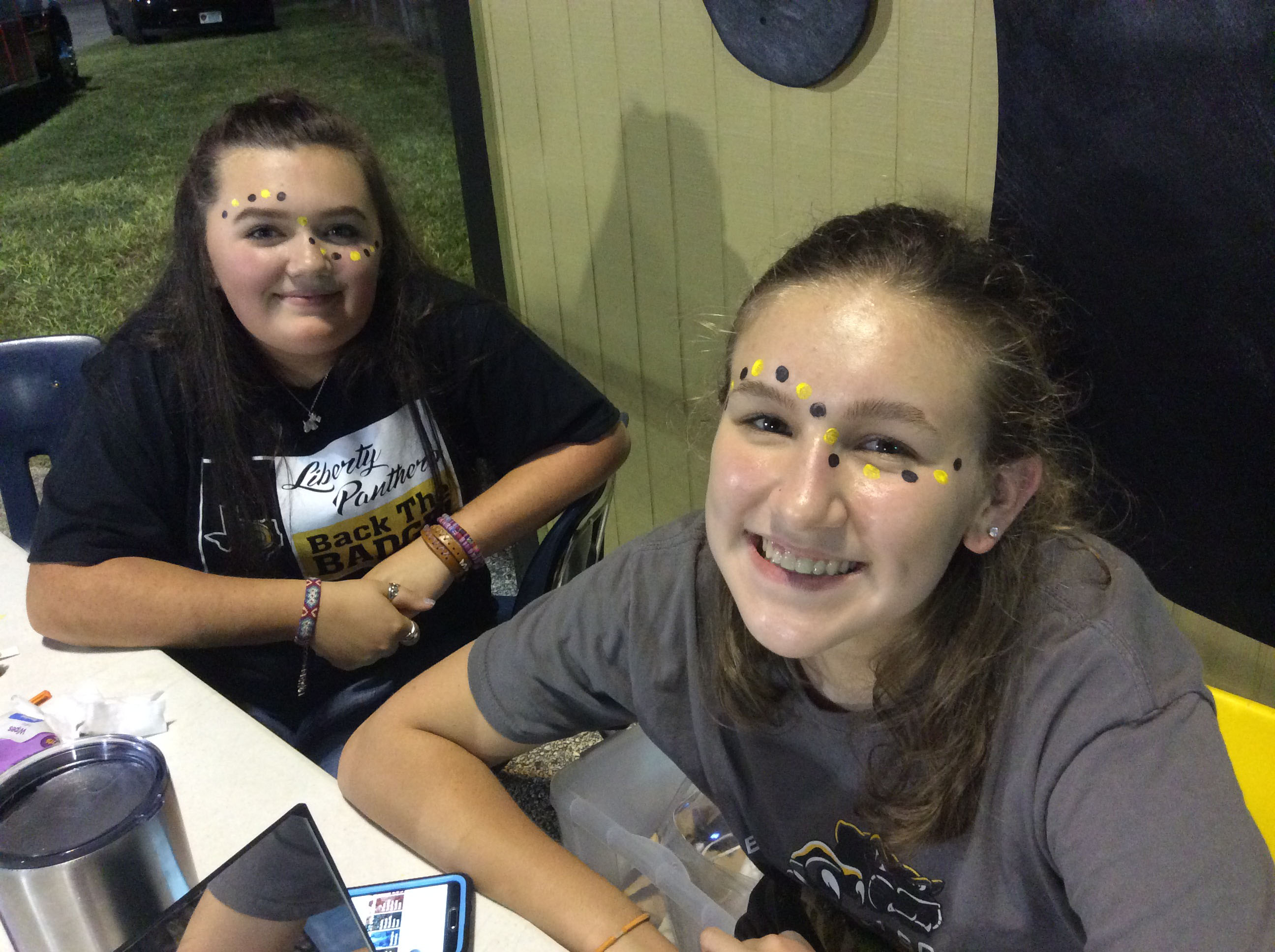 NAHS Facepainting at LHS Home Games!